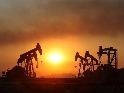 港股异动︱中国原油需求旺盛 中石化油服(01033)涨5%领跑石油股
