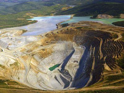刚果(金)下院通过新矿业法,提高税费和矿税,紫金(02899)、洛钼(03993)百亿项目中枪