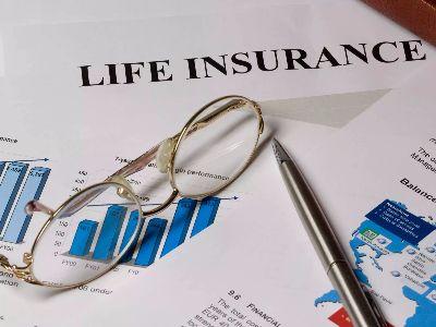 """野村:第三季友邦(01299)新业务保费增长减慢 吁""""买入""""新华保险(01336)等"""