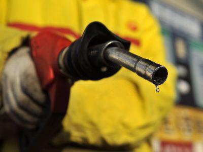 标普上调布伦特油价预测 长期预测每桶55美元