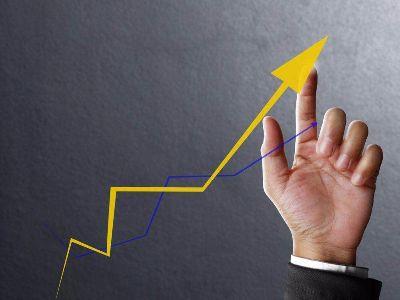 美股三大指高开  道指涨超300点