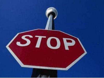 """最长停牌8年,32只股票停牌超过1000天!港交所不能再忍:停牌""""钉子户""""或将直接除牌!"""
