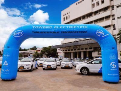 比亚迪(01211)加速布局海外市场 101辆e6驶向泰国