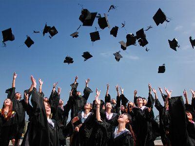 投资笔记 | 港股教育股的投资思考:重点关注高校教育、培训等比重大的标的,尽量回避……