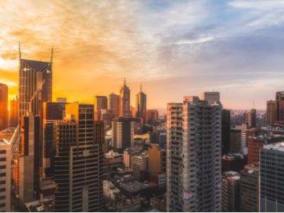 2018年房企土储货值排行榜出炉 龙光地产(03380)权益货值跻身行业十强