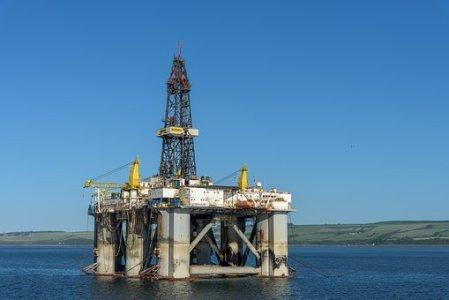 金马能源(06885)预计中期溢利增逾40%
