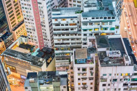 """跌落神坛的香港楼市:卖房要""""招标"""",买房可""""先住后付"""""""