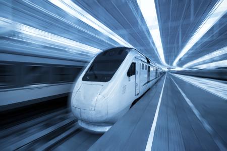 广深高铁香港段今日通车 可直达内地44个站点