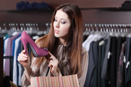 网络零售提速成消费市场亮点 国美零售(00493)转型升级预计带来较好预期