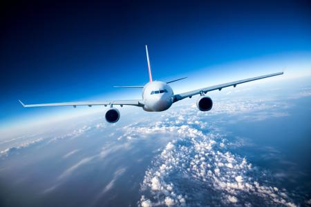 航空近期数据超预期,汇率缓和航空股值得关注
