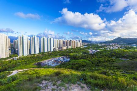 融信中国(03301)拟11.79亿元入股青岛两地产项目公司51%权益