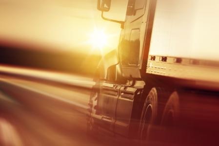 中联重科(01157)工程机械需求高景气、公司核心产品份额提升 高空作业平台、挖掘机有望成为业绩新引擎