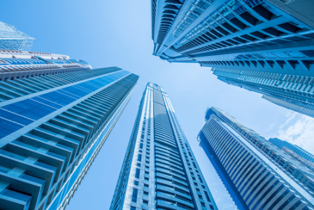 龙光地产(03380):盈利能力及股息回报保持行业前列