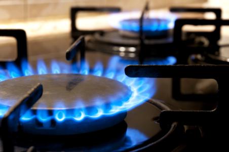 安信国际:结构改革影响持续看好天然气产业 荐天伦燃气(01600)等三股