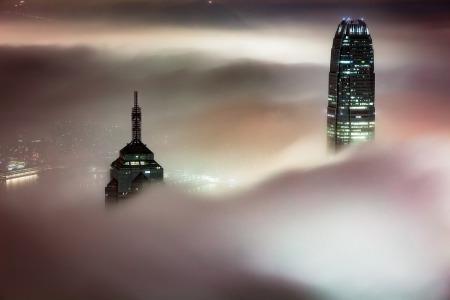开发商降价百万,买家大出血止损:香港楼市拐点已至?
