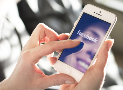 脸书(FB.US)携手雷朋开发增强现实眼镜 欲2025年取代智能手机