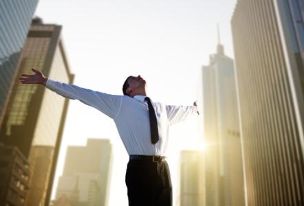 10月23日开盘前瞻 | 继续拥抱政策而春风 提防美股调整