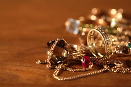 兴证社服:从剖析周大福(01929)看珠宝行业趋势