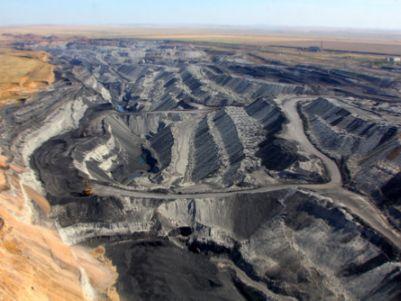 伊泰煤炭(03948)股东应占年度溢利下滑14.85%至41.94亿元 每10股派5元