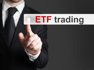 抄底资金也扎堆,一个月内18只ETF份额增长过亿