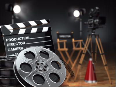 2019年1-5月中国电影分账票房(不含服务费)和观影人次均出现同比下降