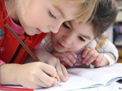 红黄蓝(RYB.US)幼儿园虐童案二审:虐童者获刑一年半 五年内从业禁止