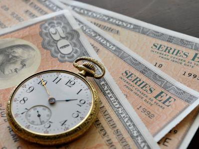 """钟正生:""""U""""型的美债收益率曲线说明了什么?"""