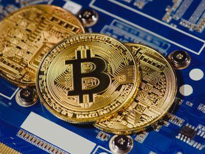 新华社:比特币持续暴涨 投机风险升高