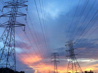 发改委:全面放开经营性电力用户发用电计划,支持中小用户参与市场化交易