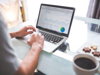 黑石(BX.US)Q2资产管理规模创新高 公司制转型完成将纳入标普等指数