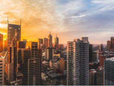 新城控股:洽谈、协商出售项目约40个 5个已签股权转让协议