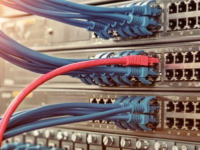 """小摩:联通(00762)称与中电信共建5G网络 维持其""""增持""""评级"""