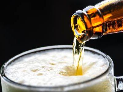 青岛啤酒(00168)获摩根大通增持166.06万股,每股作价52.95港元
