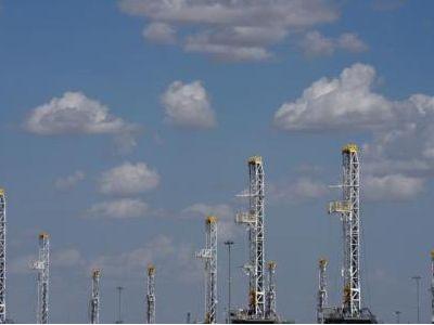 大和:油价攀升利好上游油企 中石油(00857) 和中海油(00883) 为首选
