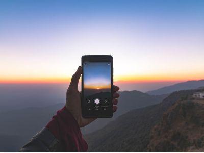 港股异动︱长沙工厂首批华为手机正式下线 比亚迪电子(00285)续涨逾5%