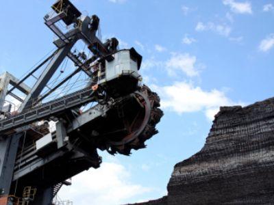 曾资不抵债郑煤机(00564) 上半年煤机板块34%营收贡献94%净利