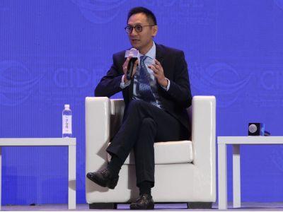 腾讯(00700)公司云与智慧产业总裁汤道生:新技术发展具有周期性,至少经历三个阶段