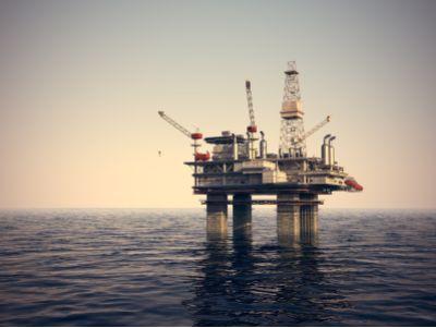 罕見,一天30萬美元!原油運費狂飆創紀錄,煉廠利潤暴跌
