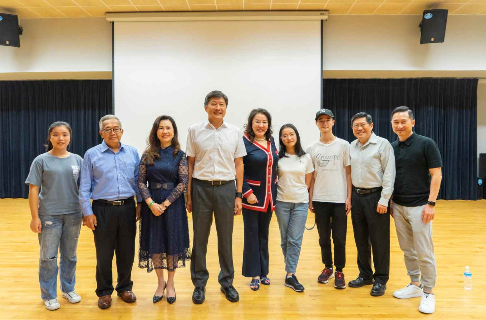 世界童窗10周年的背后:新加坡全美世界助力中国学子推动中新友谊