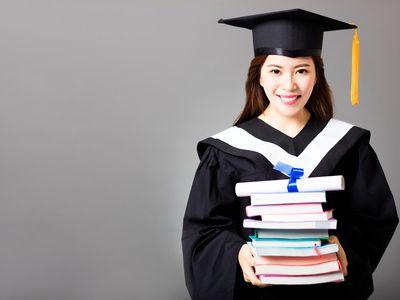 新股研报   华立大学(01756)估值合理 三名基石共认购约46.1%股份