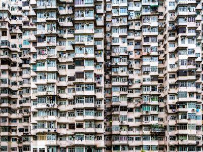 """瑞银:升香港中华煤气(00003)至""""中性""""评级 上调目标价至16.2港元"""