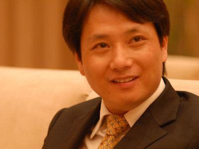 专访中环控股(01735)董事局主席余竹云:以轻资产发展平台型产业 做有情怀的百年老店