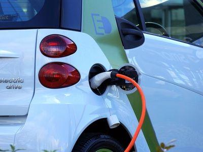 丰田(TM.US)全面转型电动化,2020年在华导入两款纯电动车型