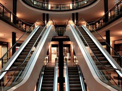 内地客不去香港 刺激上海恒隆广场去年销售暴涨21%