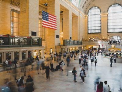 """广发证券:如何理解美国经济数据""""打架""""?"""