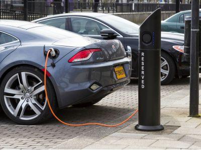 英国电动车市场份额小 政府将加倍增加资金安装充电点