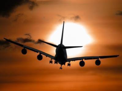 美国航空(AAL.US)Q4营收及EPS不及预期 盘前股价跌0.44%