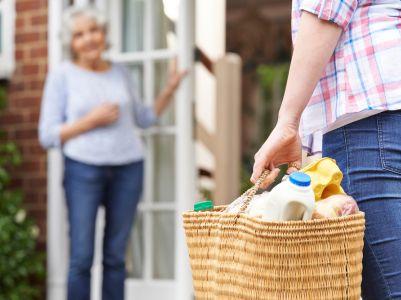 光大证券:保利物业(06049)公共物业高速拓展,住宅物业受益于保利稳定交付