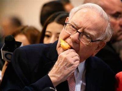巴菲特:加密货币价值为零,永远不会买 苹果股票(AAPL.US)已成我们的第三大业务