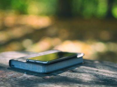 苹果(AAPL.US)iPhone 12或支持最新版Wi-Fi 支持超短距离高速传输